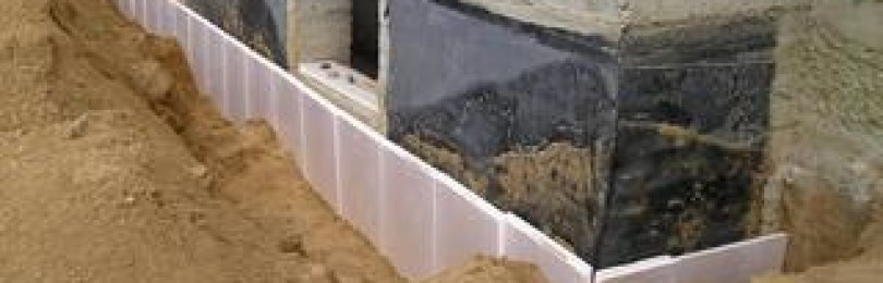 Как самому утеплить фундамент и цоколь дома пеноплексом