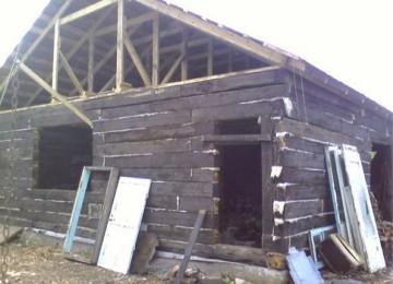 Как построить дом из шпал самому? Вредно или нет такое жилье!