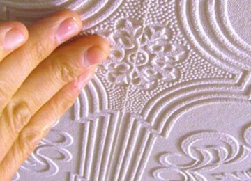 Рулонные материалы для отделки потолка: что выбрать