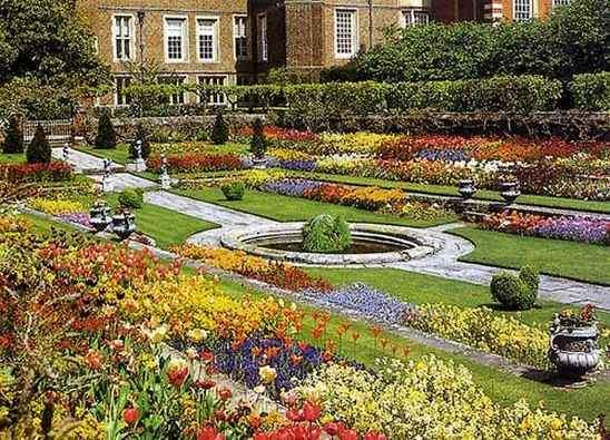 частный сад в регулярном стиле