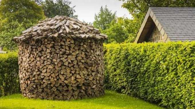 фото круглой укладки дров